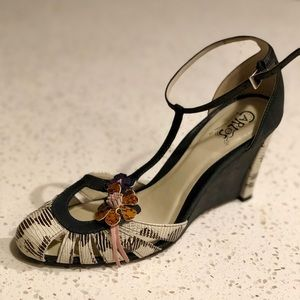 Carlos woman's shoe, size 8
